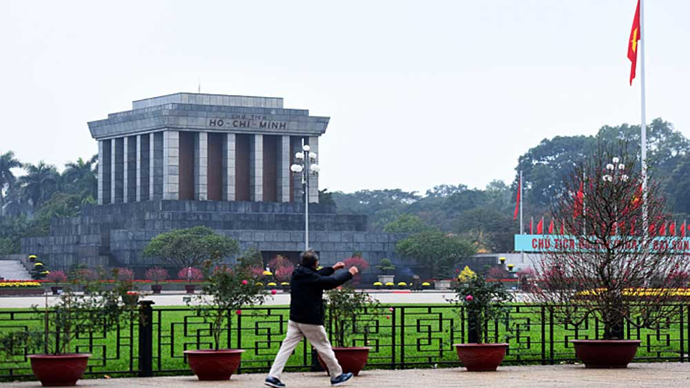Ho Chi Minh Mausoleum to suspend visits for annual makeover
