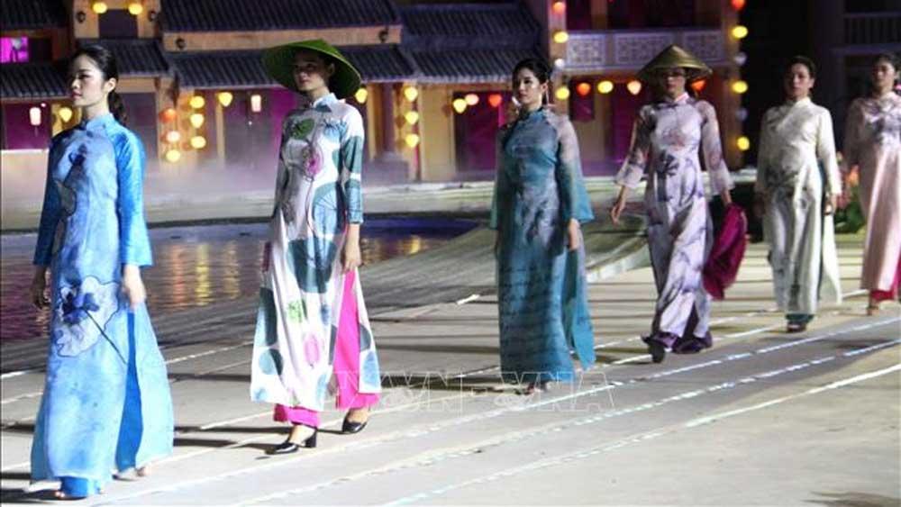 Đặc sắc, ấn tượng Lễ hội áo dài Hội An, danh thắng Việt Nam