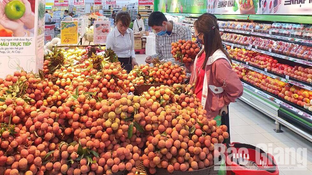 Vải thiều tiêu thụ mạnh tại các siêu thị, nhà hàng trên địa bàn tỉnh Bắc Giang
