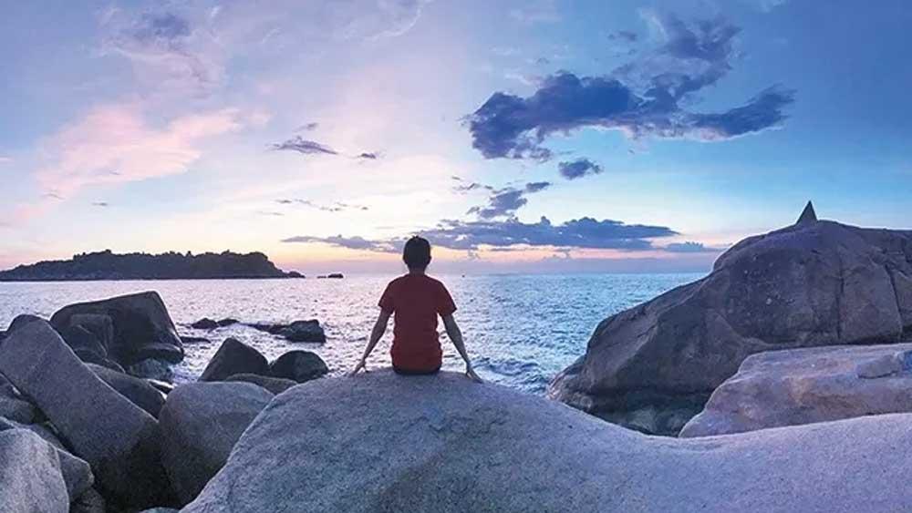 Saluting the sun at Doi Cape in Khanh Hoa