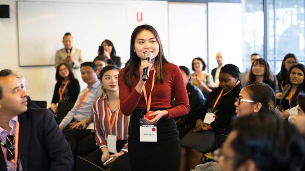 Nữ đại sứ sinh viên Việt thành phố Melbourne tốt nghiệp thạc sĩ loại Giỏi