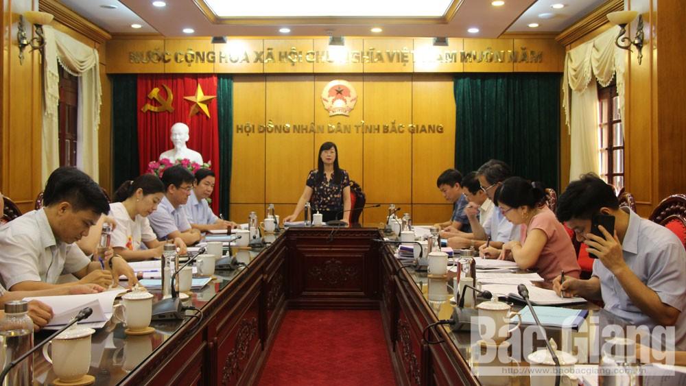 Thẩm tra một số dự thảo tờ trình, nghị quyết trình kỳ họp thứ 10, HĐND tỉnh khóa XVIII
