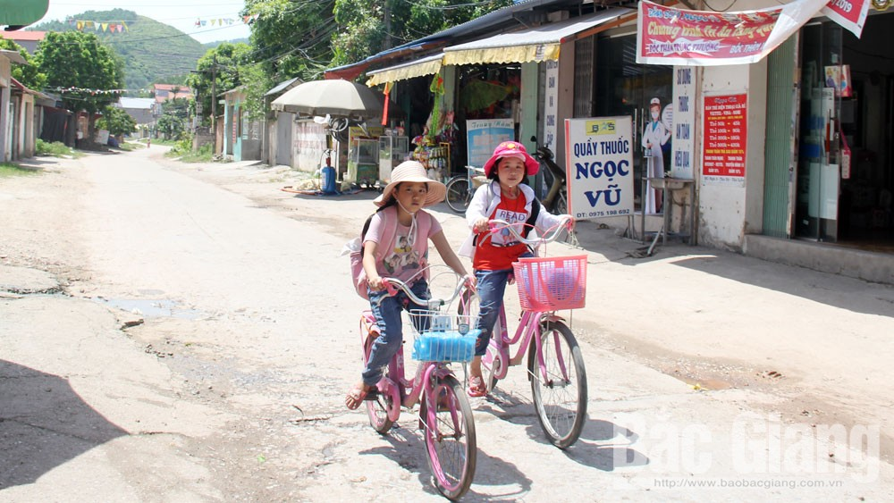 Bắc Giang: Nắng nóng gay gắt, nhiều trường điều chỉnh giờ học