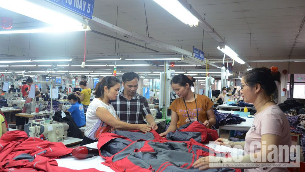 Industrial production value, Bac Giang province, FDI enterprises, state owned economy sector, foreign direct investment, Covid-19 pandemic, administrative procedure reform