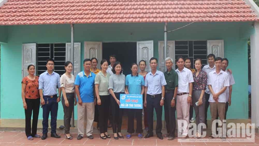 Hội LHPN huyện Lục Nam (Bắc Giang): Trao nhà mái ấm tình thương cho 2 hội viên có hoàn cảnh đặc biệt khó khăn