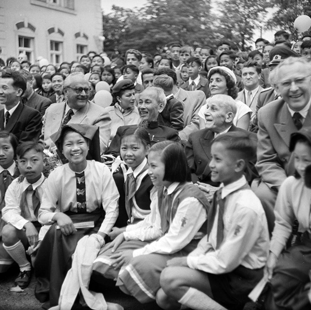 Trần Ngọc Quyên, Tham tán Công sứ, Đại sứ quán, Việt Nam, sưu tầm, tư liệu, hình ảnh, Bác Hồ, nước ngoài