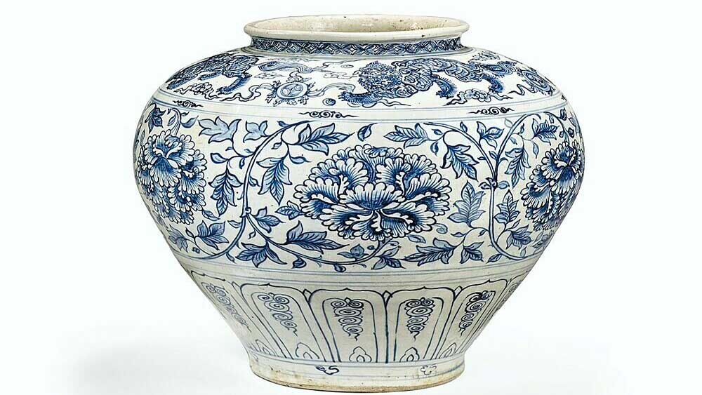 15th century Vietnam pottery fetches $455,000 at French auction