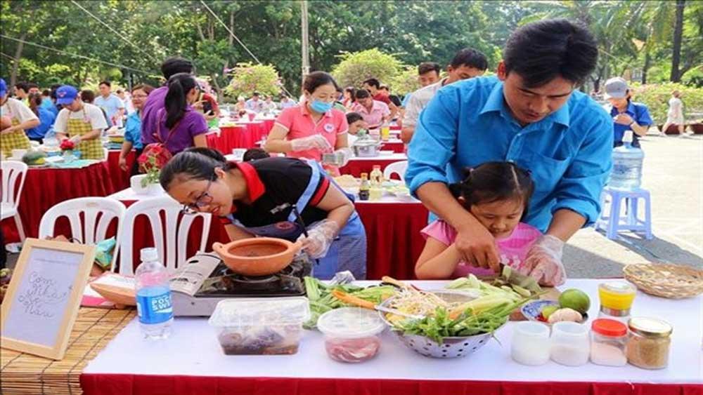 Ngày Gia đình Việt Nam 28/6: Gìn giữ và phát huy văn hóa ứng xử tốt đẹp trong gia đình