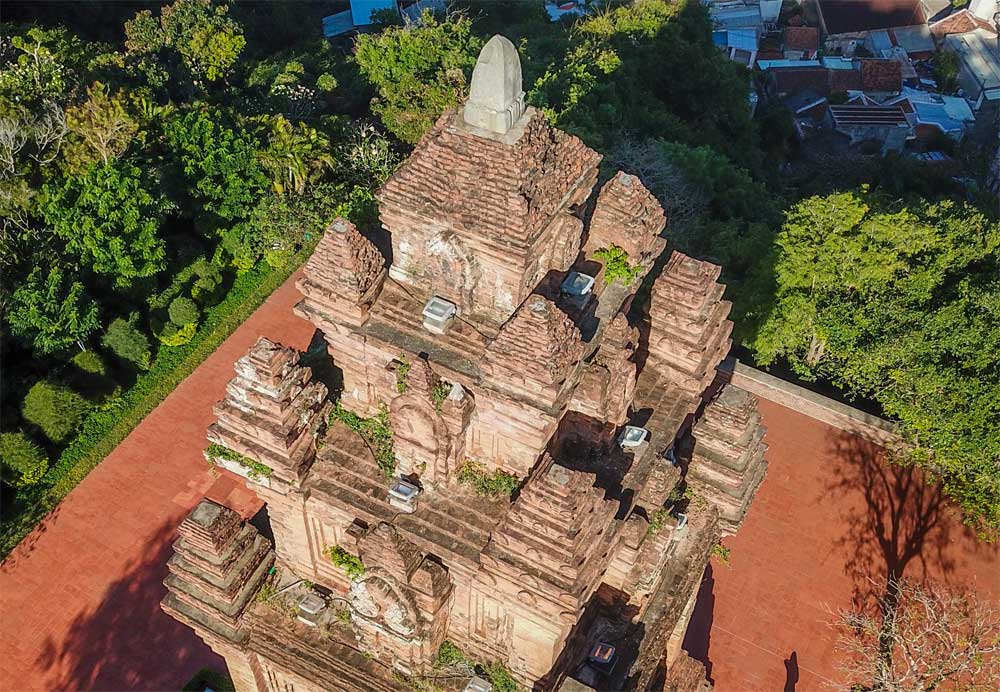 800-year-old tower, worships fairy, Nhan Tower, 12th century,  farming and weaving, egendary fairy Thien Y A Na, 24-meter-high tower