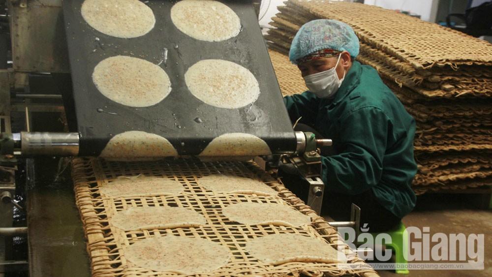 Le Hong Van, gives up, thousand-dollar job, start business, dry pancake, Bac Giang province, clean food chains, major supermarkets, Joy Vietnam