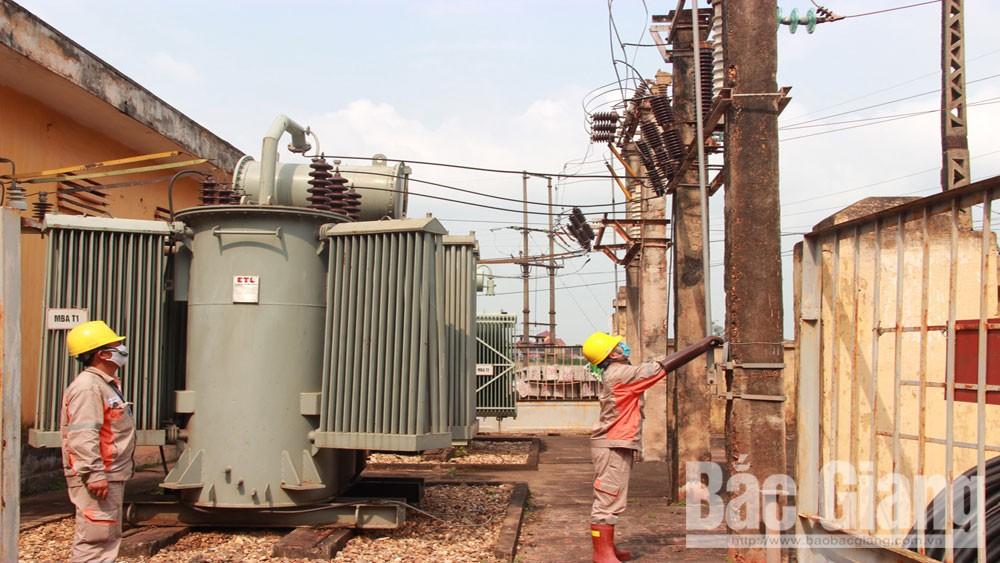 Giải pháp chống quá tải lưới điện mùa nắng nóng