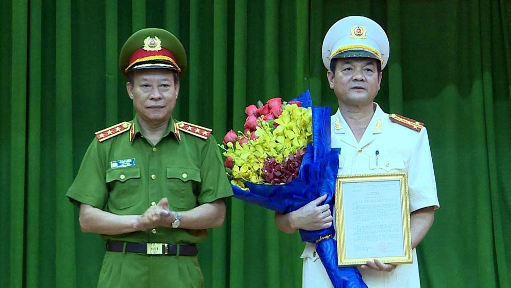 Trao quyết định điều động Đại tá Lê Hồng Nam giữ chức Giám đốc Công an TP Hồ Chí Minh