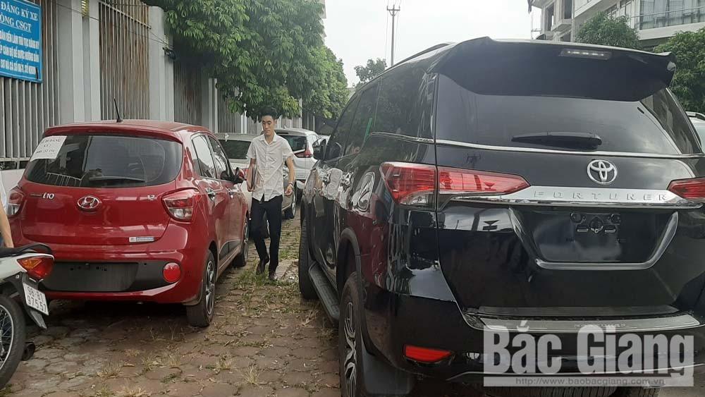 Bắc Giang: Giảm lệ phí trước bạ xe ô tô, người dân đăng ký cấp biển số tăng đột biến