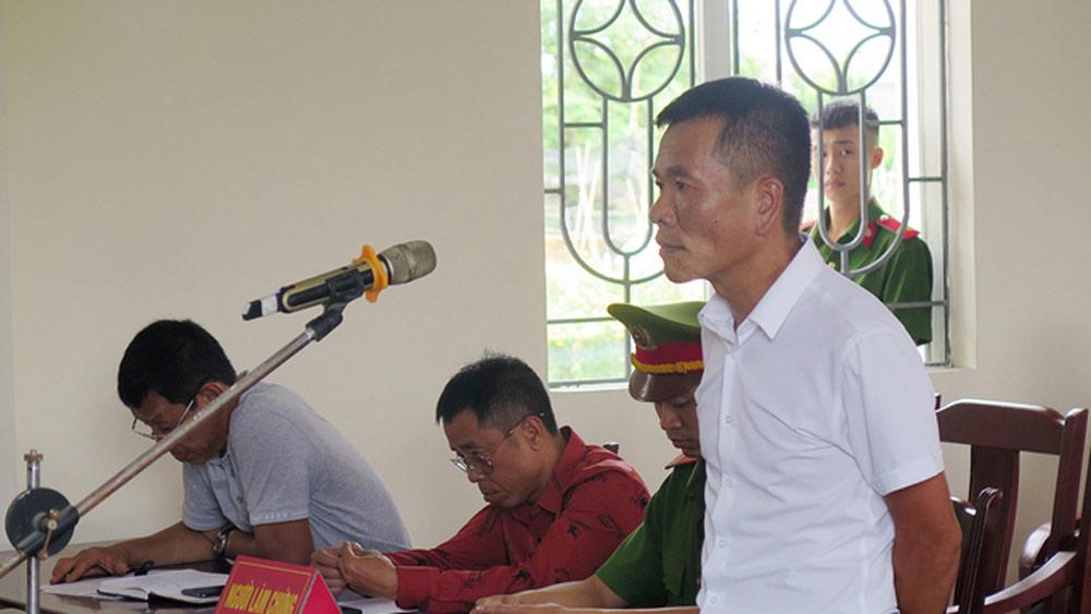 Bị phạt 12 tháng tù do đánh Phó Chủ tịch UBND phường