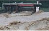 Mưa lớn gây ngập viện dưỡng lão Nhật, 14 người có thể chết