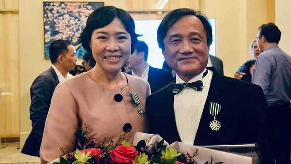 Two Vietnamese, top French cultural honor, Knight of the Order of Arts and Letters, Vietnamese citizens,  French culture, cultural exchange programs