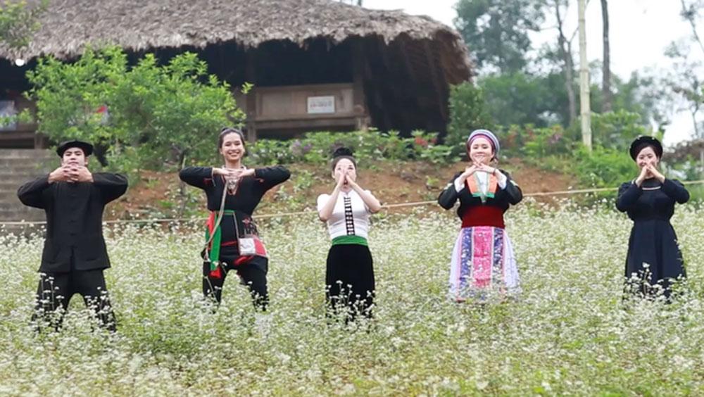 Biên soạn Vũ điệu rửa tay, phòng chống Covid-19, dịch bài vũ điệu rửa tay,6 thứ tiếng dân tộc