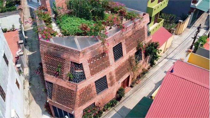 A 'brick cave' is a Hanoian's castle