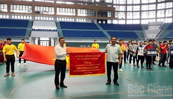 24th National Traditional Wrestling Tourney opens in Bac Giang