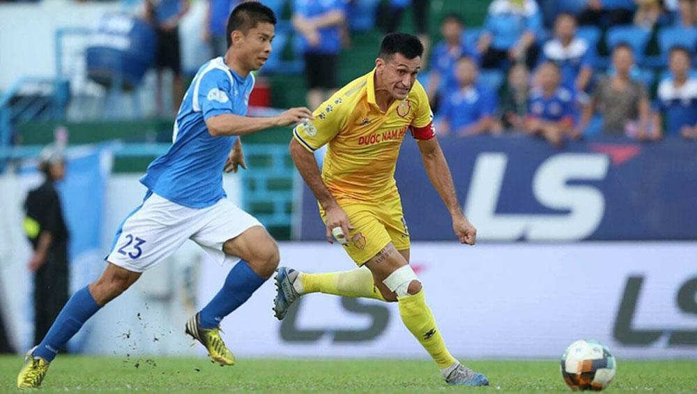 Quảng Ninh thắng nghẹt thở ở V-League