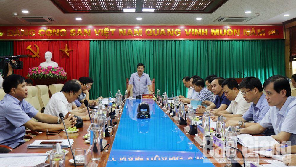 Chủ tịch UBND tỉnh Dương Văn Thái làm việc với BTV Thành ủy Bắc Giang về công tác chuẩn bị Đại hội Đảng bộ