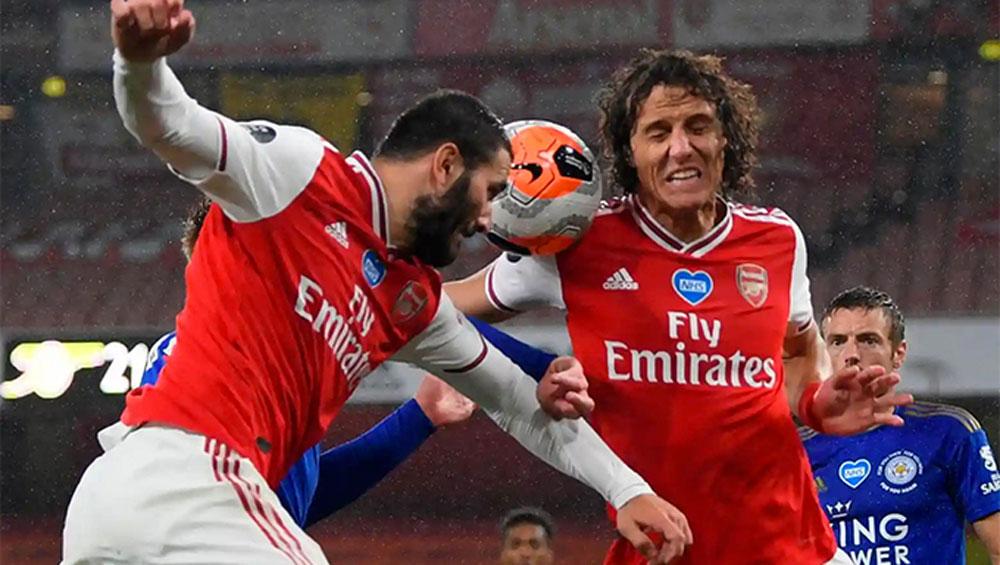 Arsenal vuột chiến thắng trước Leicester