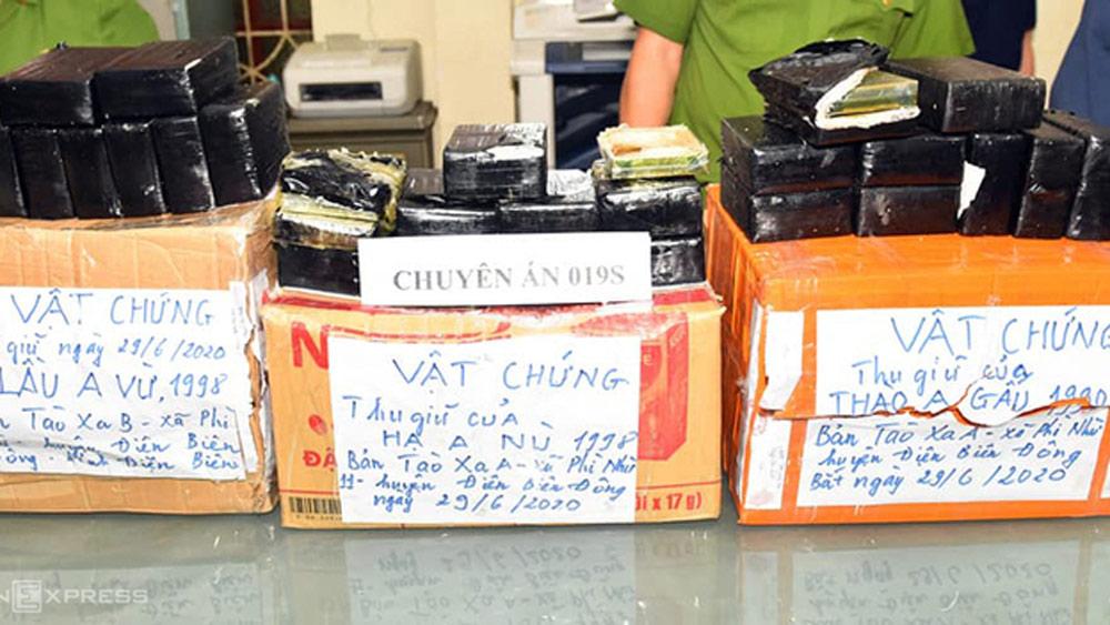 Ba người vận chuyển 54 bánh heroin ở Hà Nội