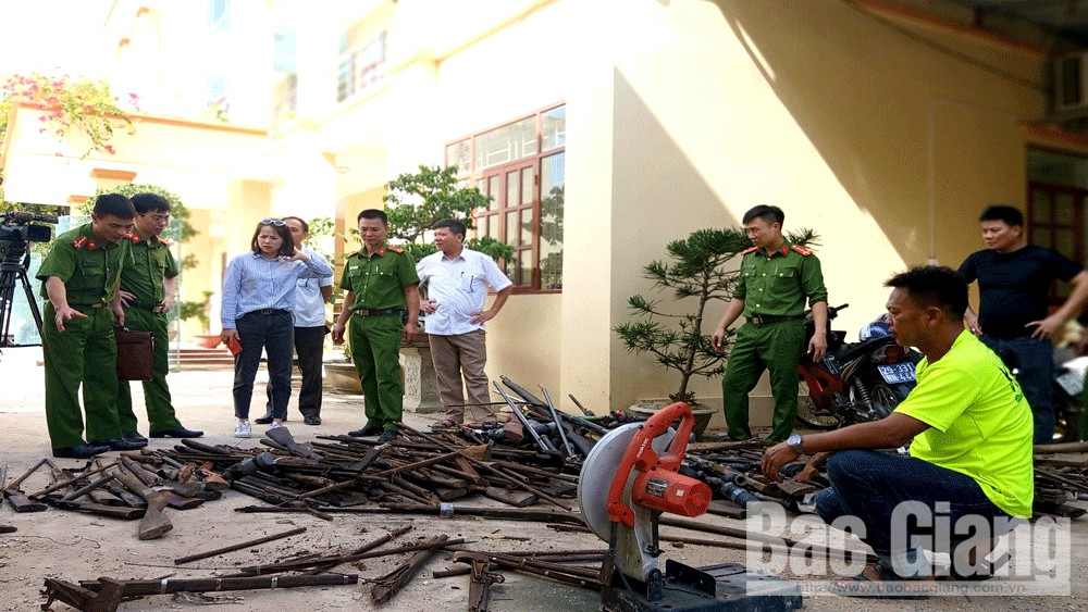 Sơn Động: Tiêu hủy hơn 314 khẩu súng và vũ khí, công cụ hỗ trợ