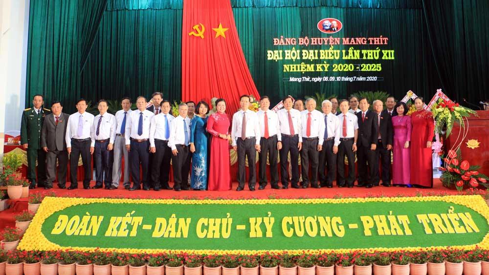 Đồng chí Võ Văn Thưởng, dự Đại hội Đảng bộ, huyện Mang Thít, tỉnh Vĩnh Long