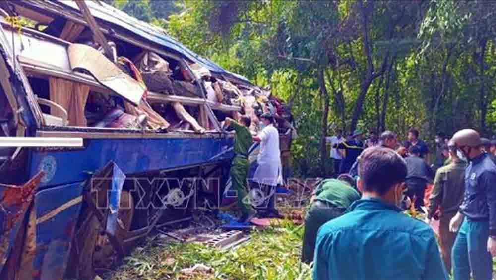 Tai nạn giao thông,tai nạn đặc biệt nghiêm trọng,tai nạn xe khách,Kon Tum,đèo Ngọc Vin,