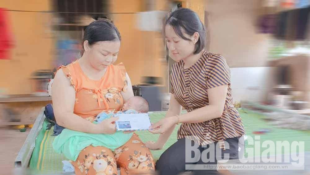 Tạm bàn giao bé sơ sinh bị bỏ rơi ở Lục Ngạn cho gia đình nhặt được chăm nuôi