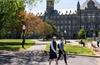 Nhiều bang ở Mỹ kiện chính phủ về quy định thị thực đối với sinh viên nước ngoài