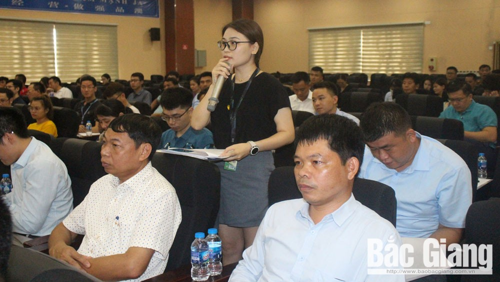 Bac Giang province, Public Security Department, talks to enterprises, joint efforts, ensure security, social order, industrial parks, complicated happenings, food safety, stable for development