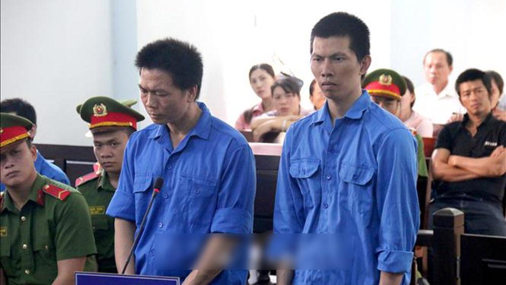 Cán bộ trại giam,đưa điện thoại cho phạm nhân,Trại tạm giam Công an Bình Thuận,Lê Minh Sơn