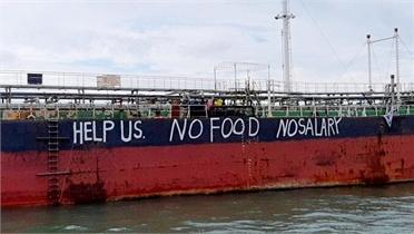 12 thủy thủ Việt mắc kẹt nhiều tháng trên biển Malaysia