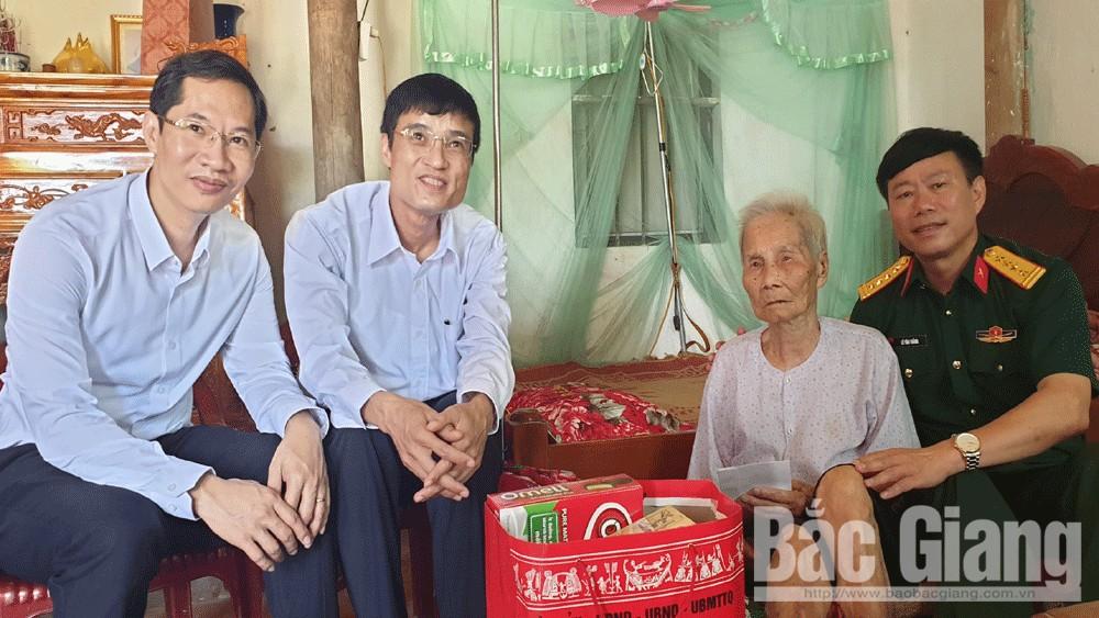 Thăm, tặng quà, gia đình, chính sách, huyện Yên Thế