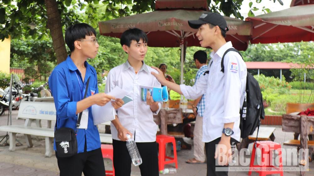 Kết thúc kỳ thi tuyển sinh vào lớp 10 THPT Chuyên Bắc Giang: Đề thi có độ phân hóa cao