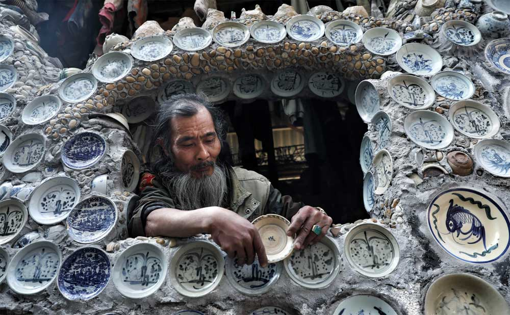 Nhà sưu tập, hơn 10.000 bát đĩa, gắn khắp nhà, sưu tầm bát đĩa cổ,  bình gốm quý giá, di sản, cổ vật