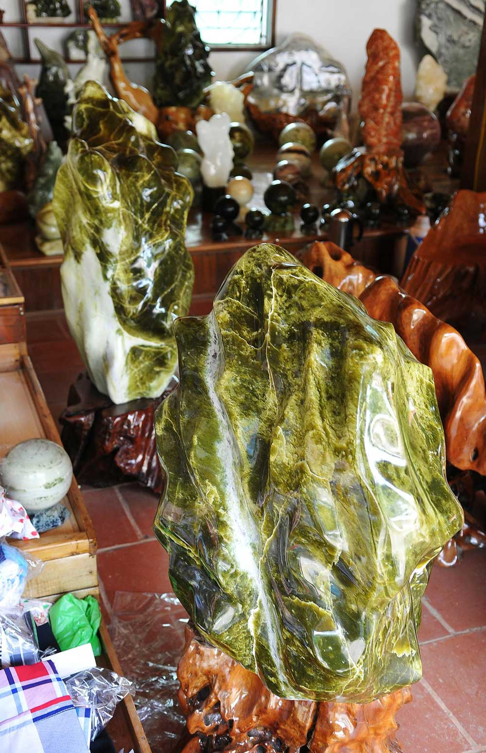 Unique ornamental stones, Yen Bai province, Suoi Giang commune, valuable ornamental stones, different unique shapes, beautiful colours,  natural veins
