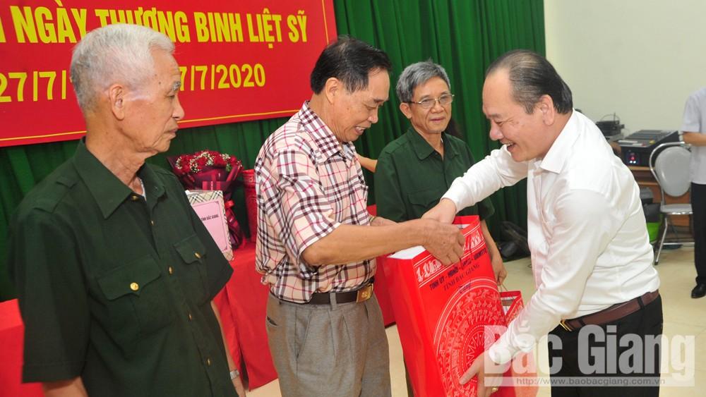 Bắc Giang, tri ân người có công với cách mạng, thăm, tặng quà, Ban Thường vụ