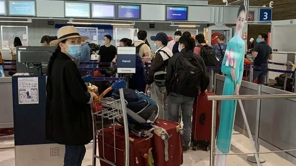 Over 50 more flights, Vietnamese citizens, bring home, CAAV official, aviation sector, diplomatic and military agencies, travel restrictions