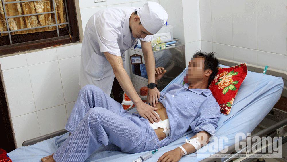 Bắc Giang: Sức khỏe bệnh nhân bị lưỡi cày cắm vào ổ bụng đã ổn định