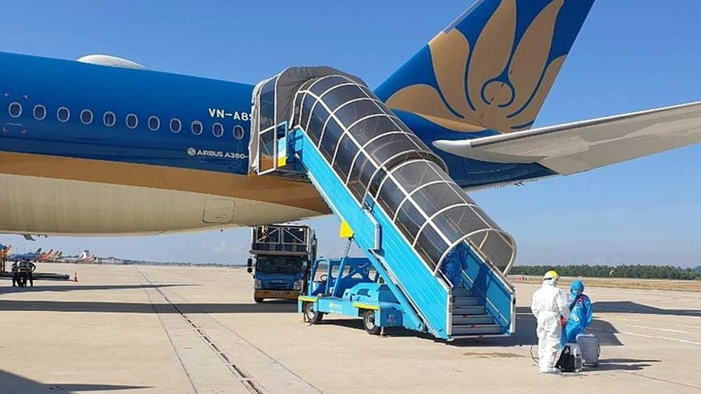 280 Vietnamese, European countries, special flight,  stringent travel restrictions, medical checks, Covid-19 hotspot