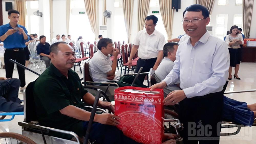 Lãnh đạo, Bắc Giang, thăm, tặng quà . thương binh,  Bắc Ninh