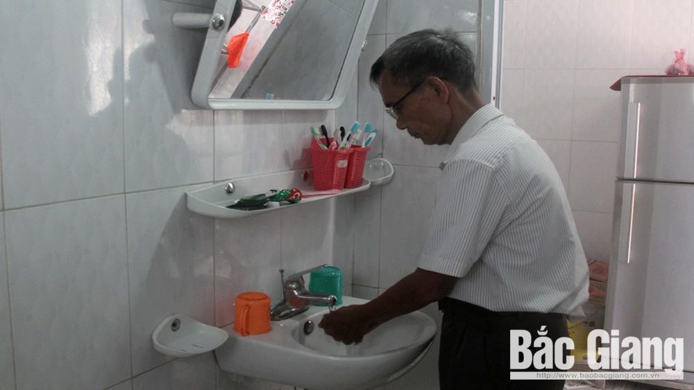 """Chương trình """"Mở rộng quy mô vệ sinh và nước sạch nông thôn dựa trên kết quả"""": Nâng ý thức vệ sinh, phòng bệnh"""
