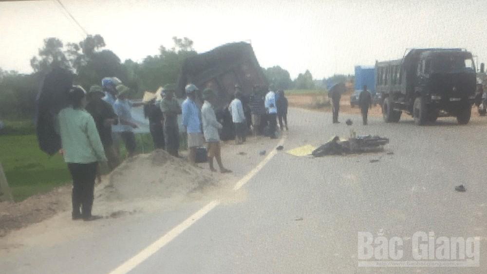 Bắc Giang: Va chạm với xe tải, một người tử vong