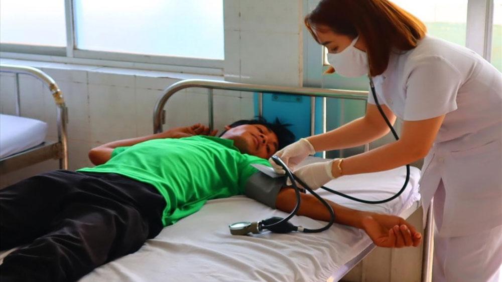 Làm rõ vụ 43 công nhân nhập viện sau bữa ăn ca ở Bình Phước