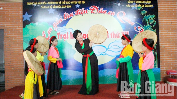 Duong Thi Hoai Thu with special passion for Quan ho folk song