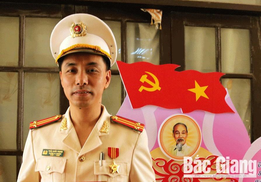 Trung tá Trần Quốc Phong, Trưởng Công an phường Hoàng Văn Thụ: 7 năm liền là chiến sĩ thi đua