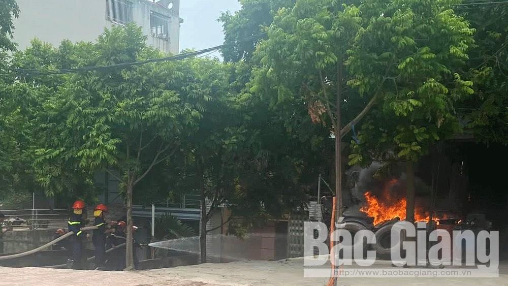 Bắc Giang: Chủ đi du lịch, nhà bị hỏa hoạn